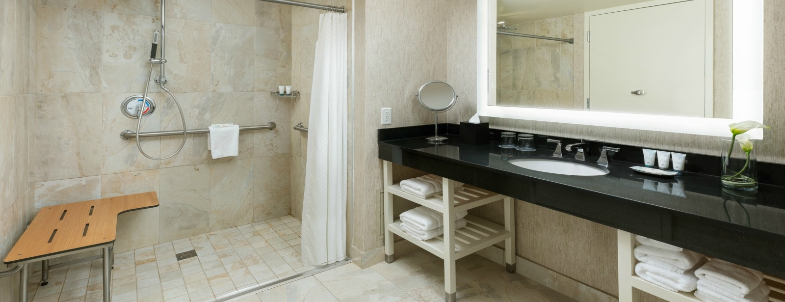 The Westin Arlington Gateway - Accessible Bathroom